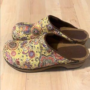 Sanita yellow women's Floral Clogs Shoes  EU 39